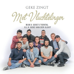 gekes-dozen-crazy-sings-with-refugees